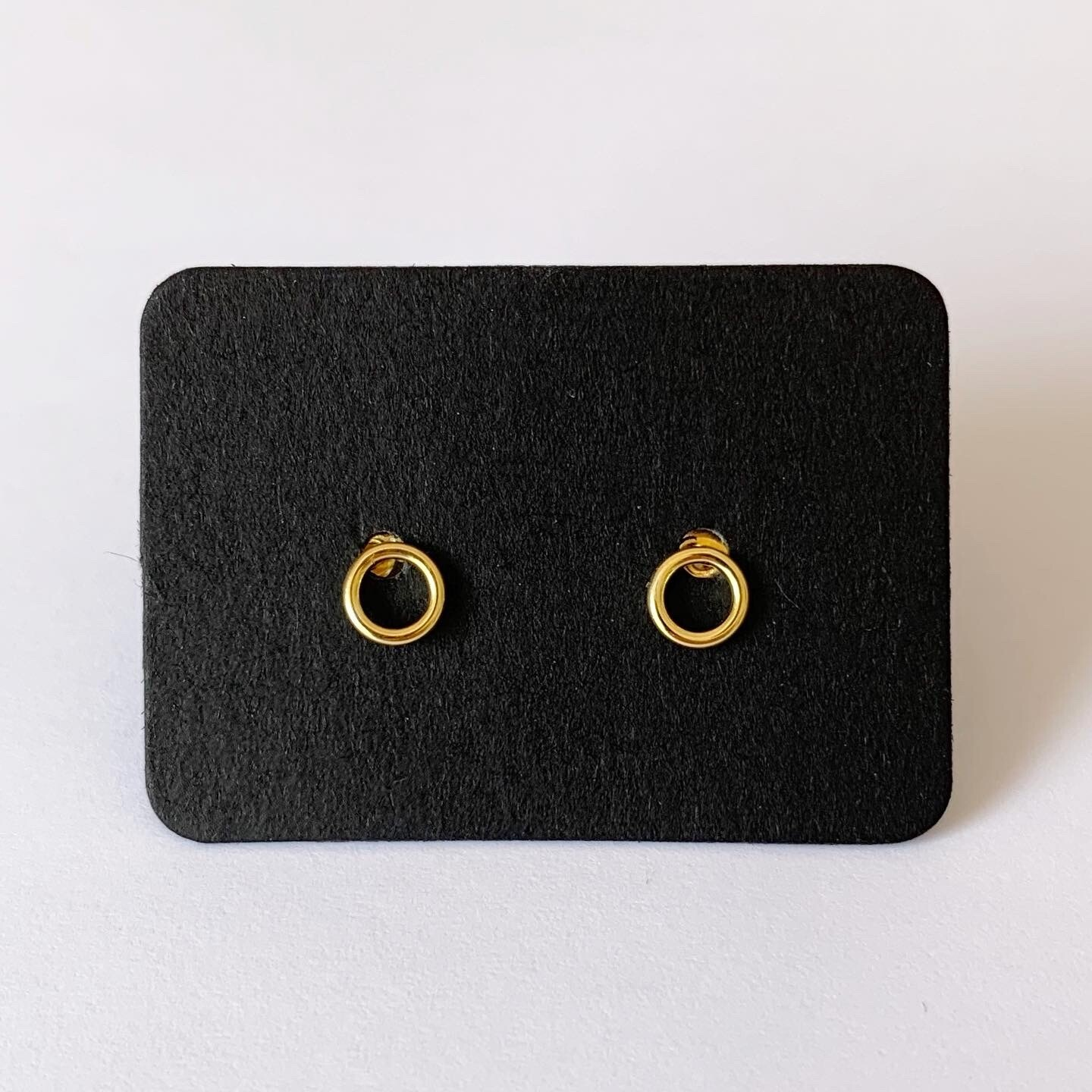 Open coin knopjes gold plated