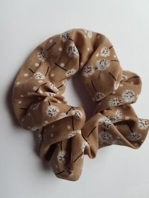 Dandelion scrunchie licht bruin