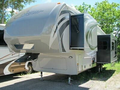 2013 COUGAR HIGH COUNTRY 299RKS BY KEYSTONE RV