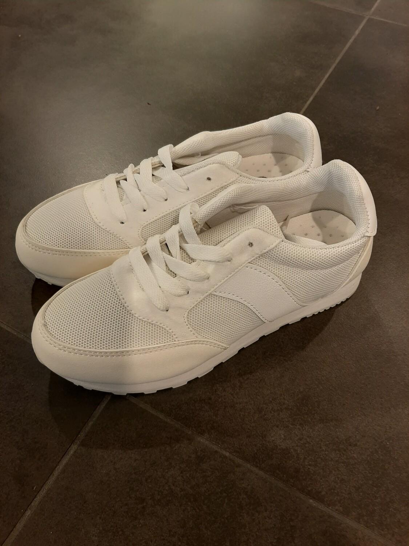 Sneaker Wit
