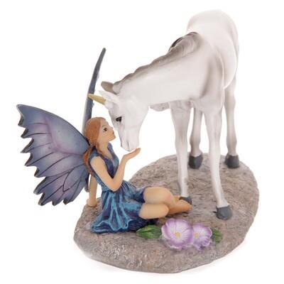 Hada Besando Unicornio, Amistad Mística