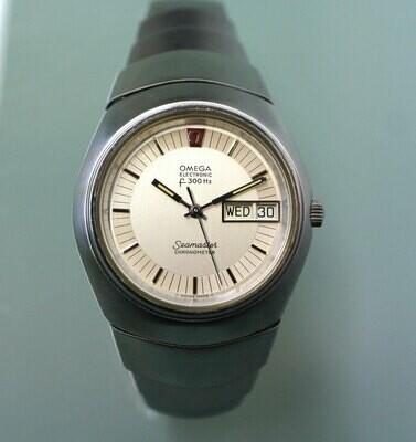 Omega Electronic f300 Hz Stimmgabel Seamaster Chronometer, Edelstahl und Original Lobster Armband, 70er Jahre