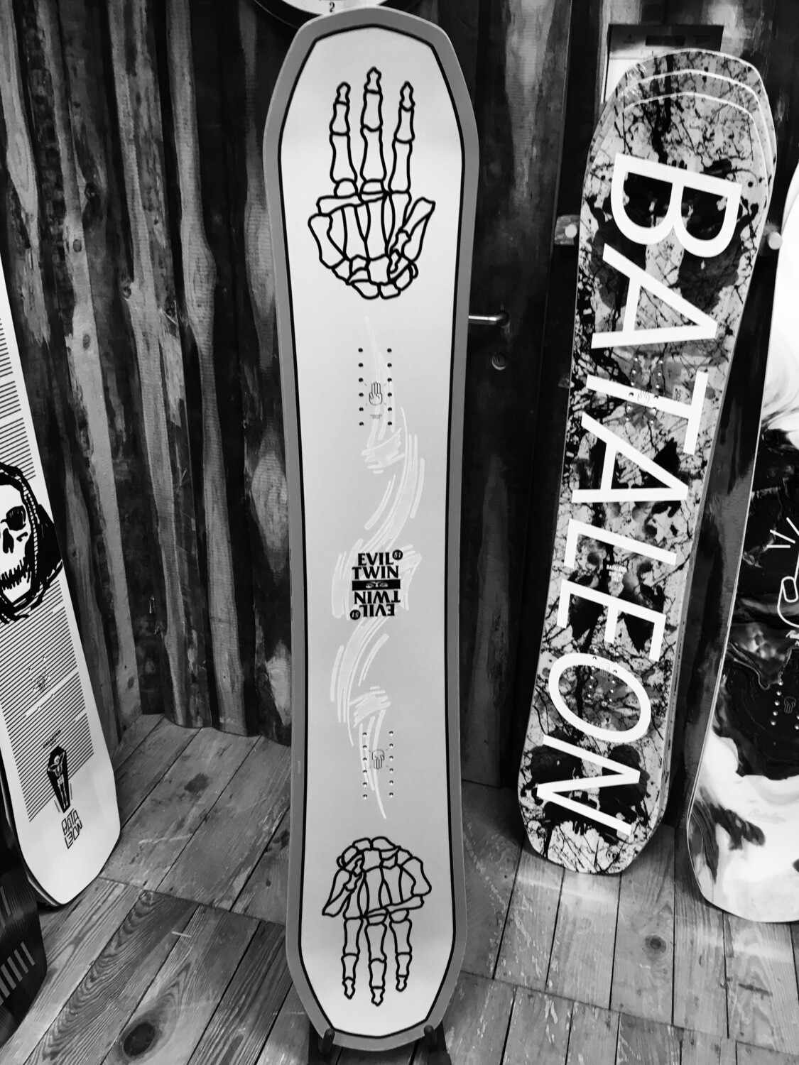 THE EVIL TWIN - BATALEON Snowboard