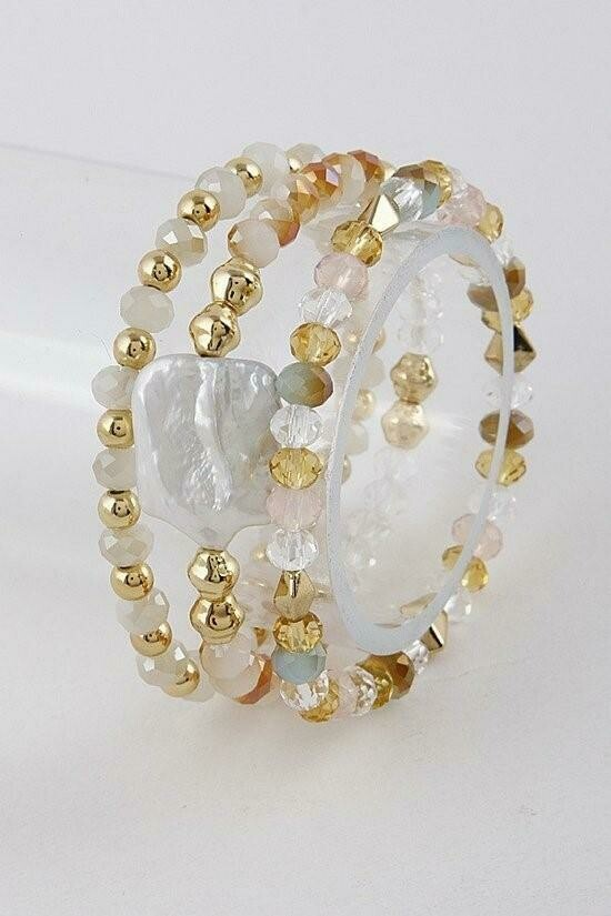 Lux-Inspired Pearl Bracelet