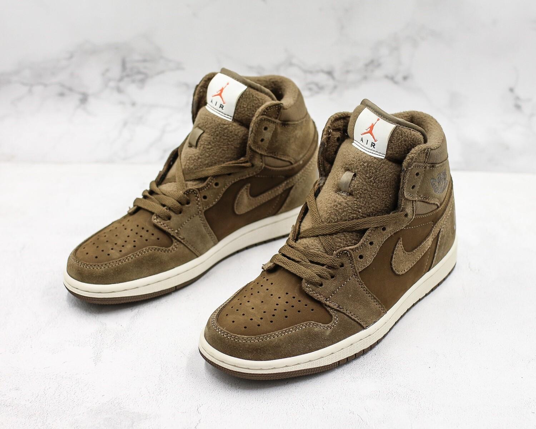 Mens' Air Jordan 1 Retro High OG Basketball Shoes Brown