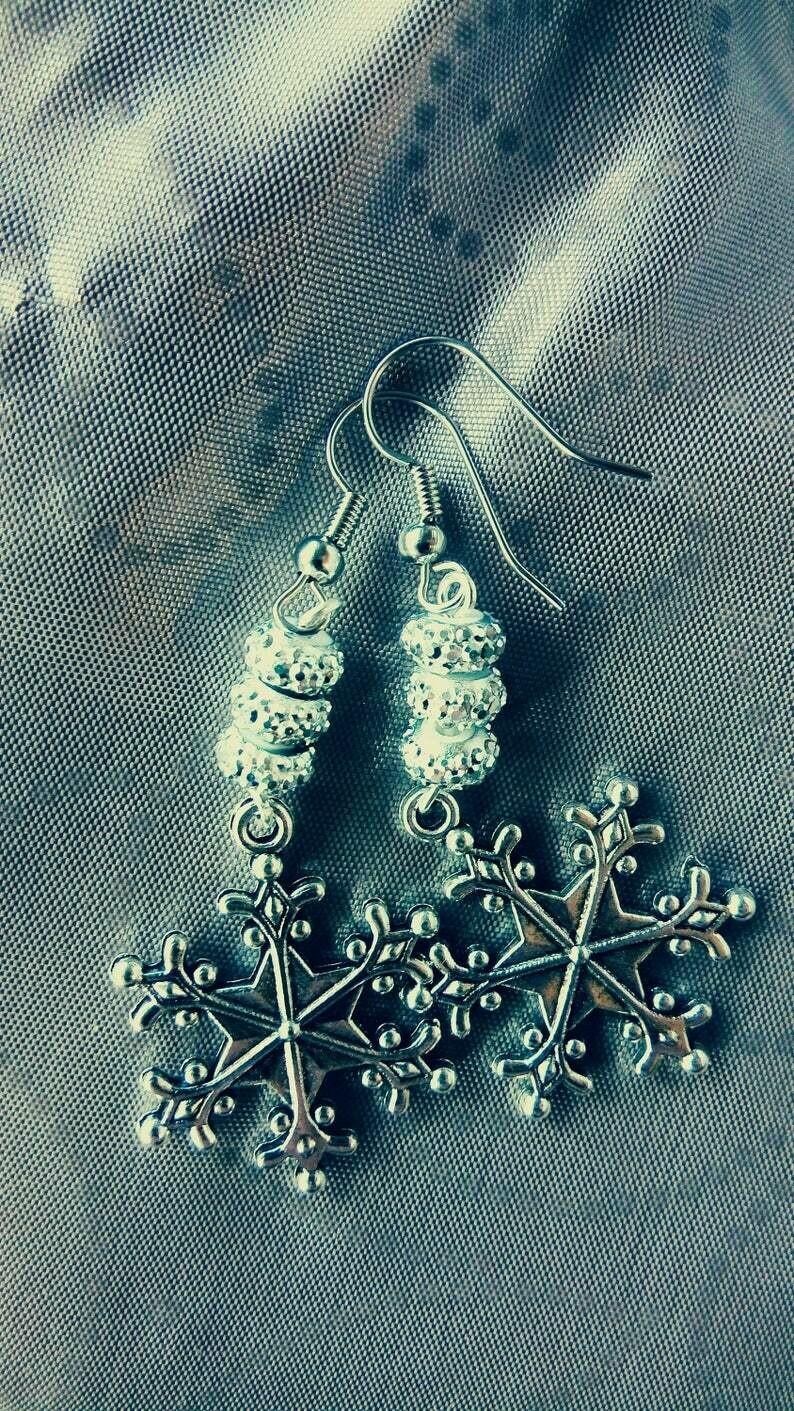 Silver Snowflake WiNTEr WoNdErLaNd Dangle Earrings