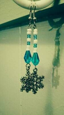 sNoWFLaKe Long Dangle Earrings *free scented gift bag*