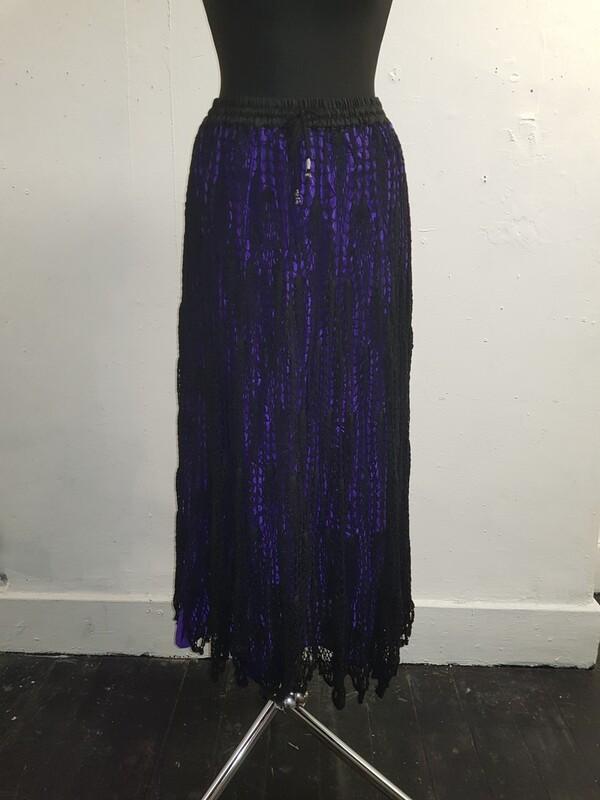 Dark knitter