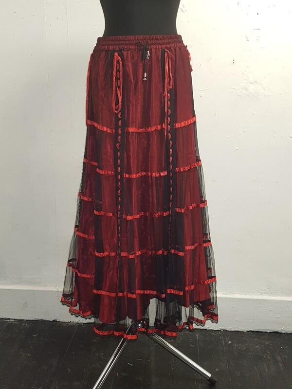 Dark star black red lace