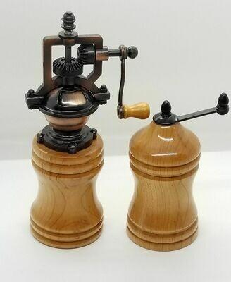 Salt & Pepper Mill Set