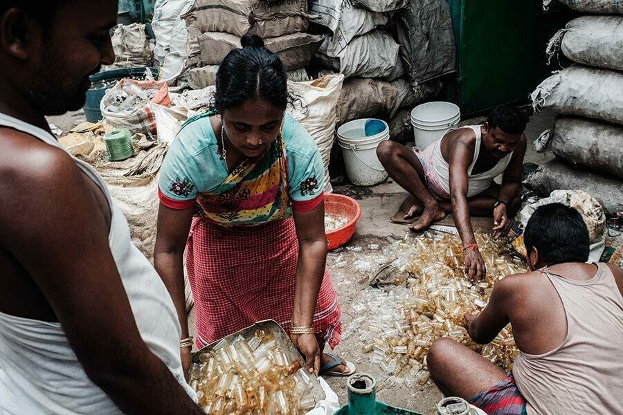 Einblick in die Recycling Fabriken von Kolkata, Indien