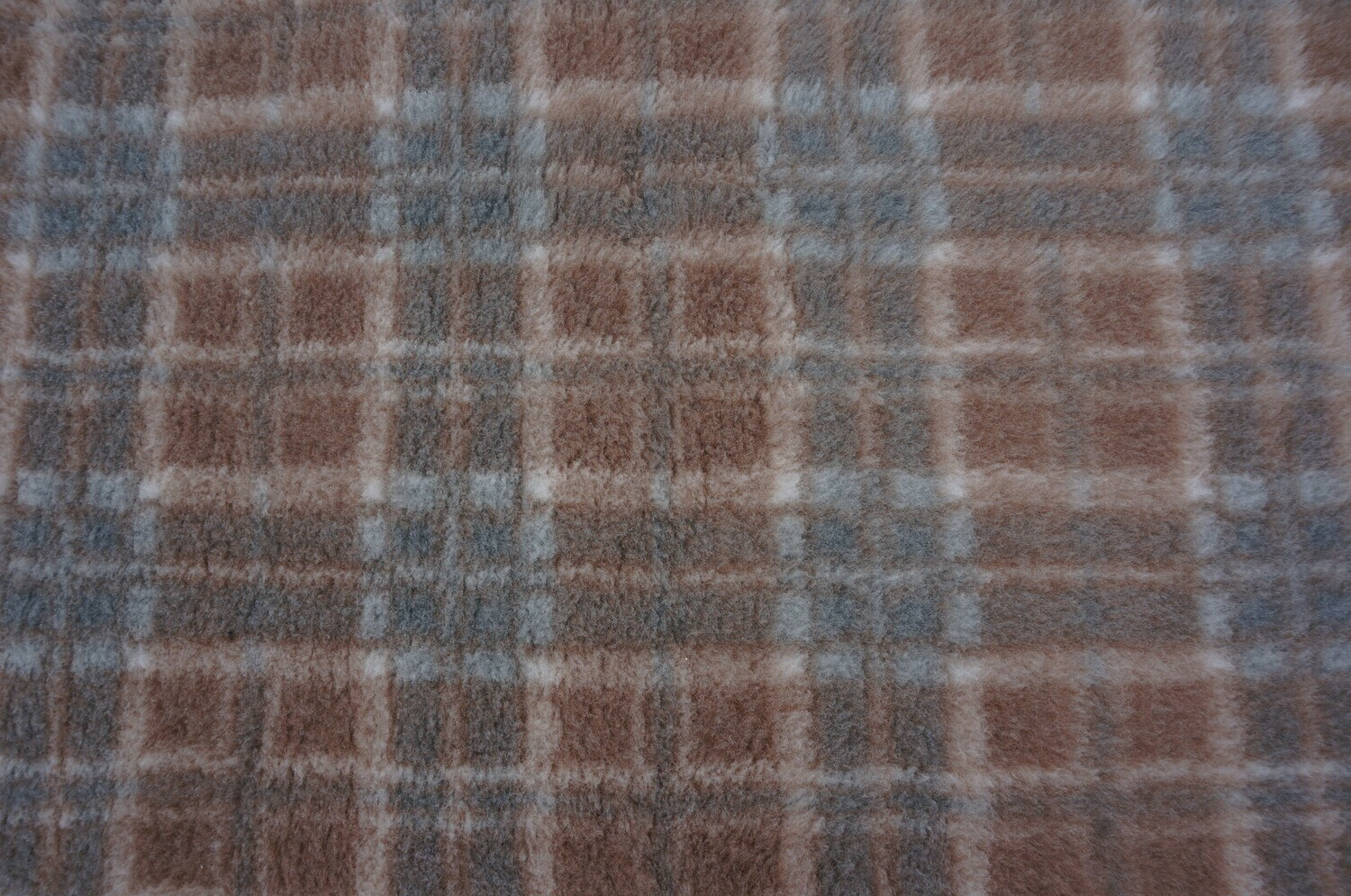 {15 x Metre Roll} : Ultra Premium - Non Slip Backing :  Mink with Grey Diamond Tartan - Ref : (6246)