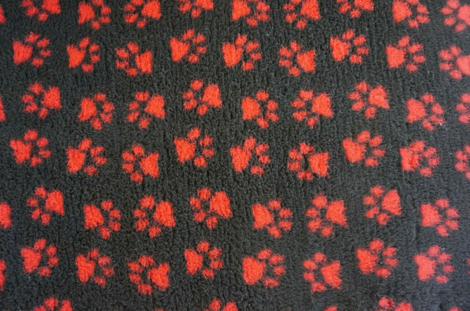 {15 x Metre Roll} : Ultra Premium - Non Slip Backing :  Charcoal with Red Paws - Ref : (6376)