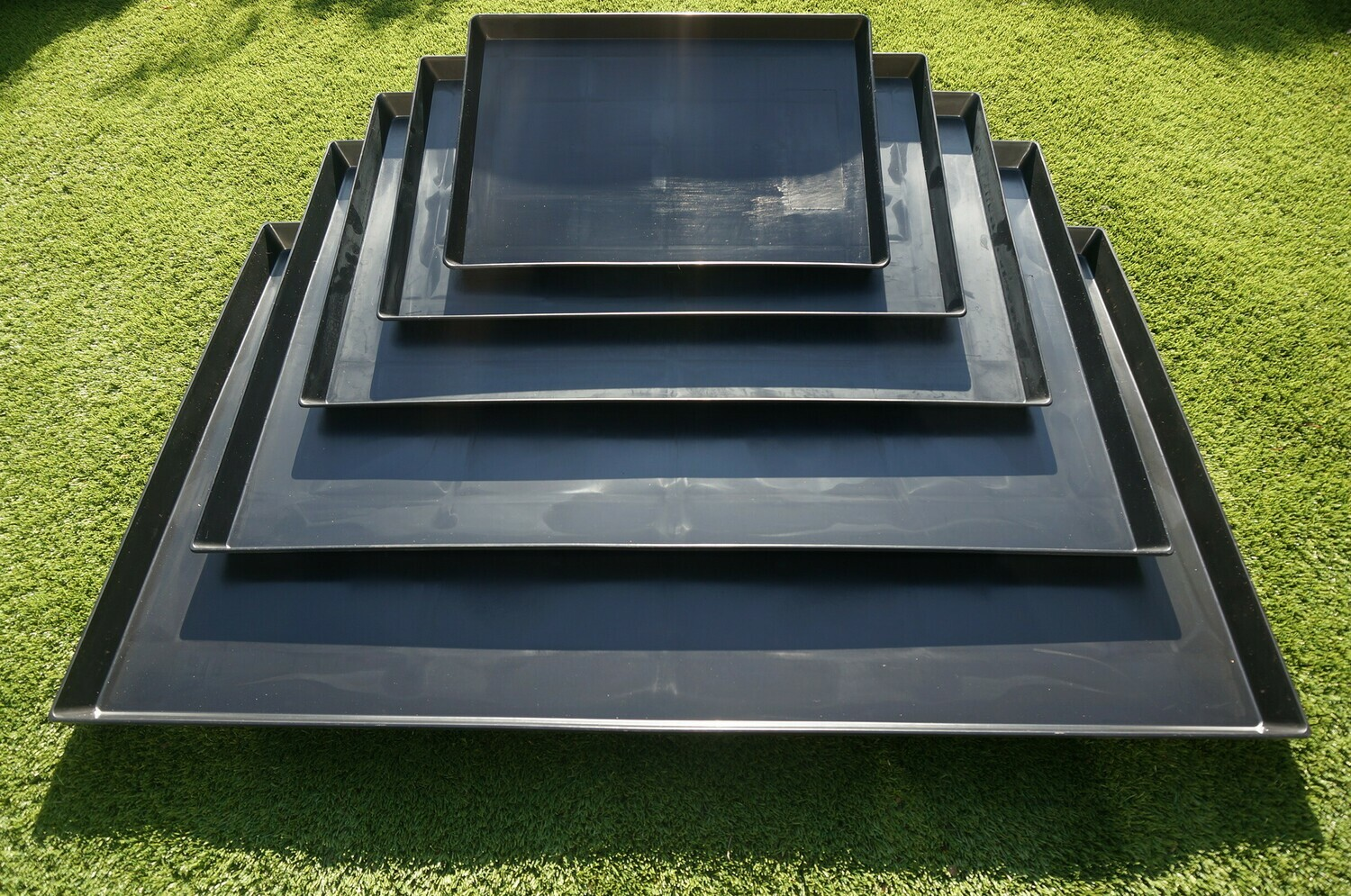 """New Heavy Duty """"Q9"""" Plastic Trays for Dog Cages & Crates - Ref : (1302)"""