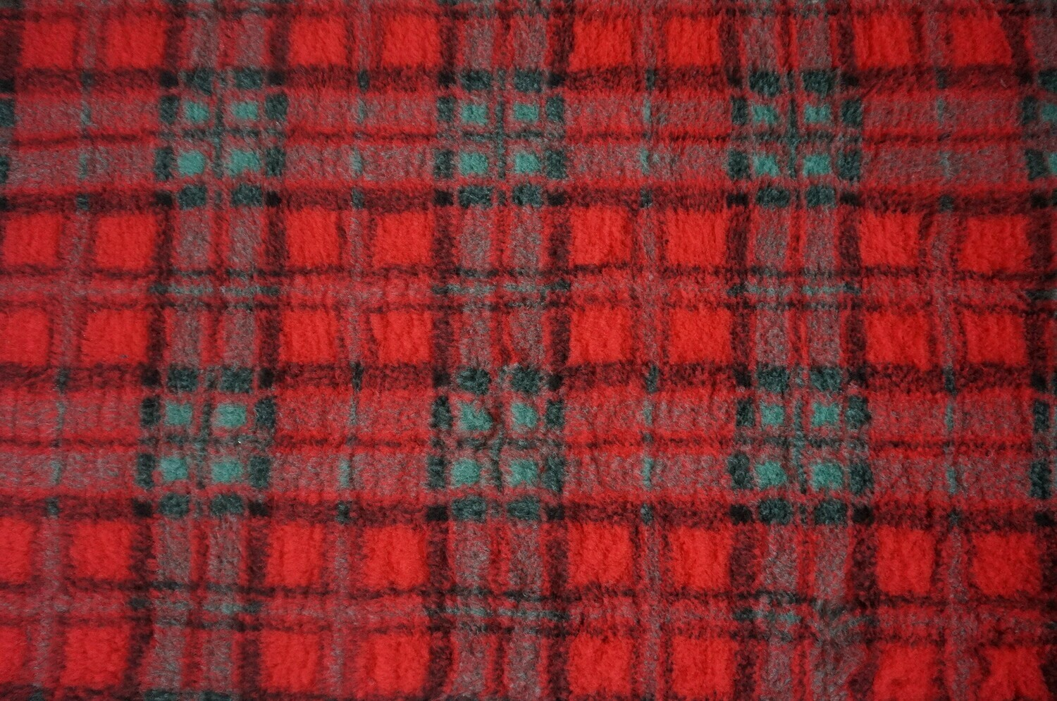{15 x Metre Roll} : Ultra Premium - Non Slip Backing : Red Diamond Tartan - Ref : (6316)