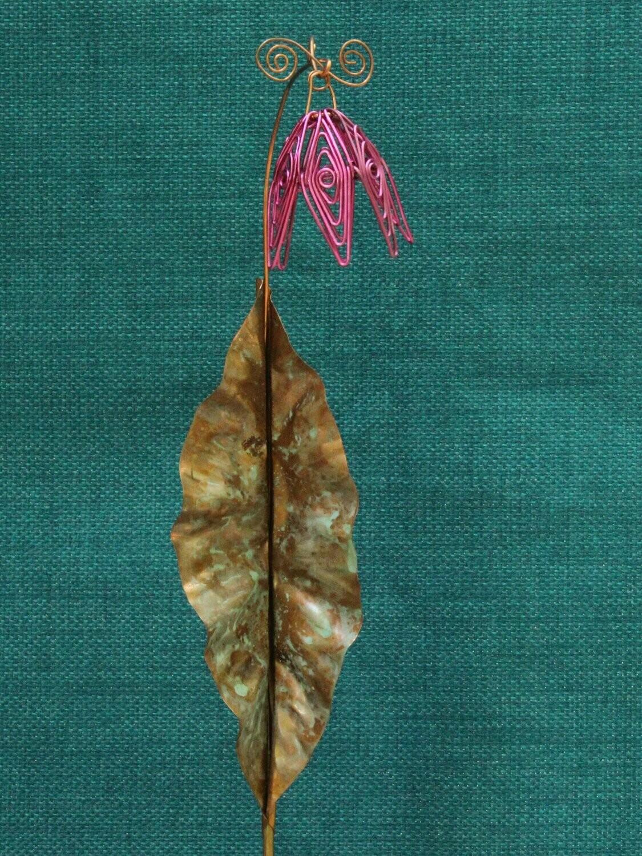 Fuschia Simple Flower Stake