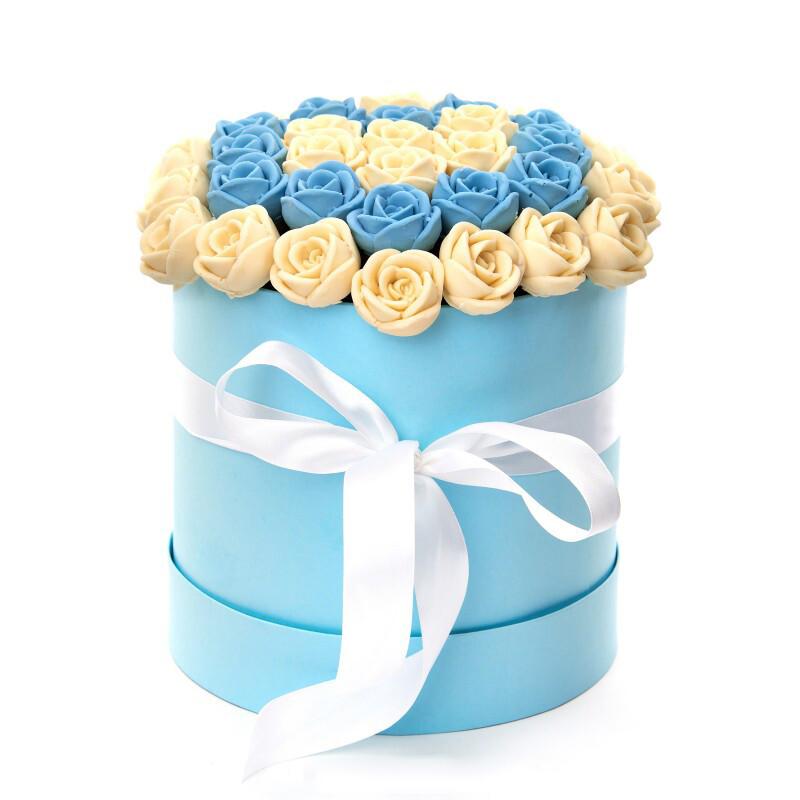 Коробка голубая 47роз