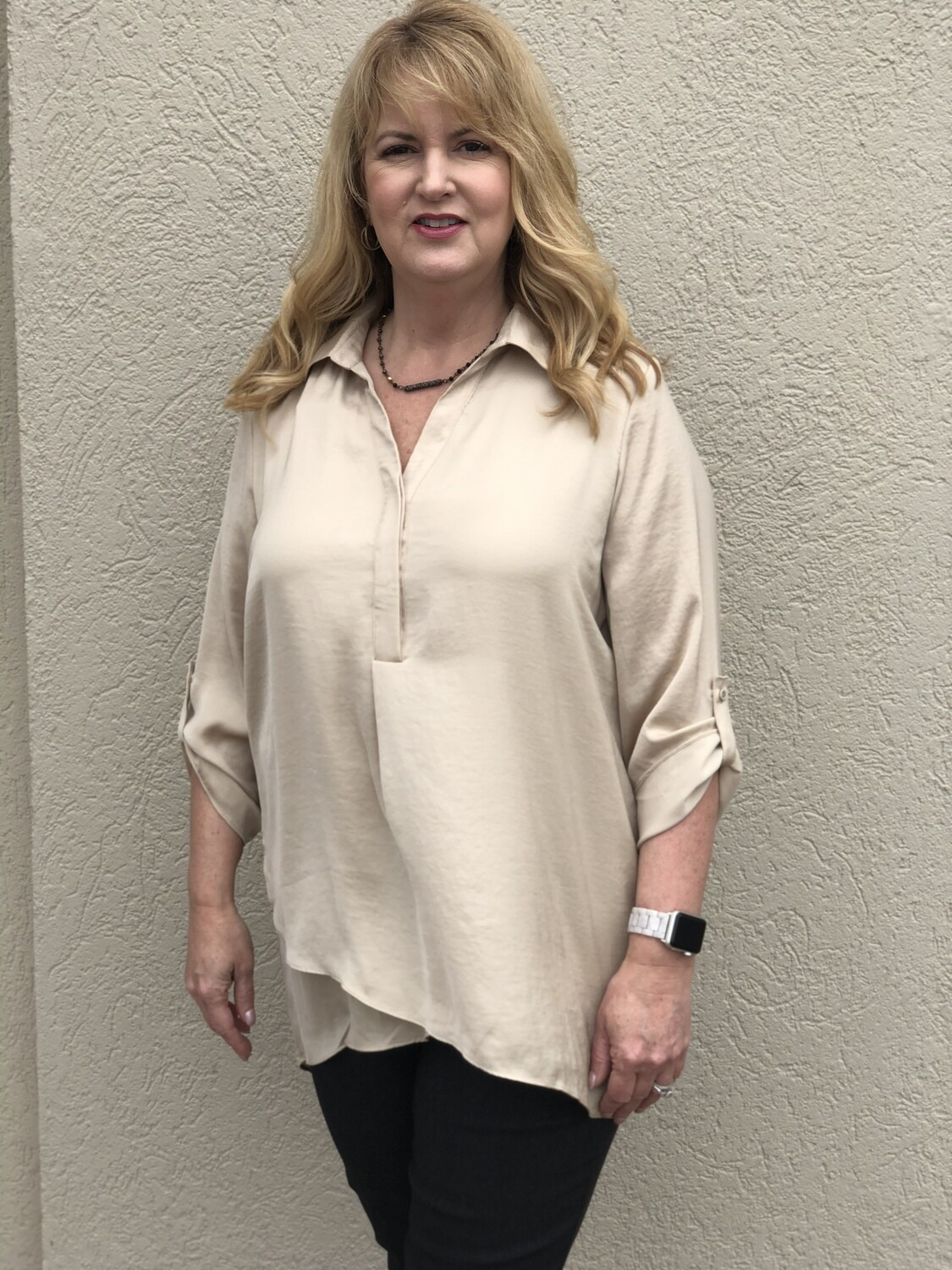 R5517 Airflow Blouse in Sand