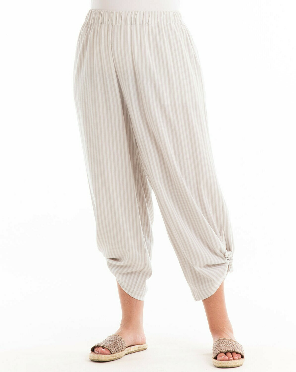 FINAL SALE ECPAVST Plus Avila Stripe Capri in Natural