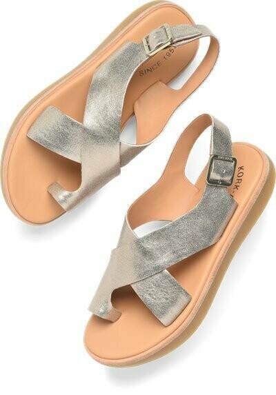 Canoe Sandal in Gold Metallic