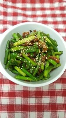 새우 마늘쫑볶음 Stir-Fried Garlic Shoots & Dried Shrimp