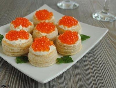 Тарталетки с красной икрой и сливочным сыром, 20 шт.