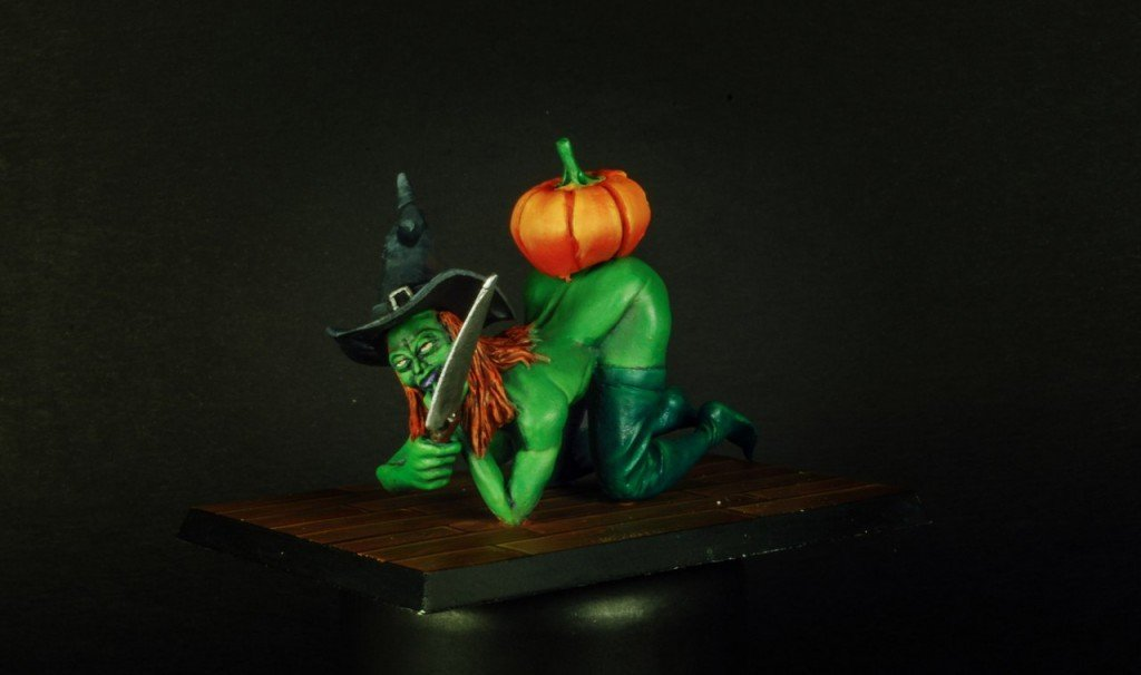 The Witch in Halloween 75mm resin figure by Garry Miniatur's