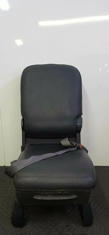 Centre Seat