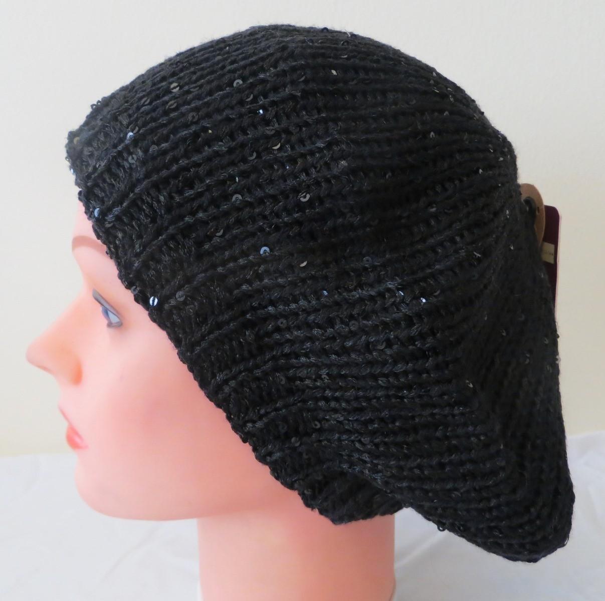 Black beret with light sparkles