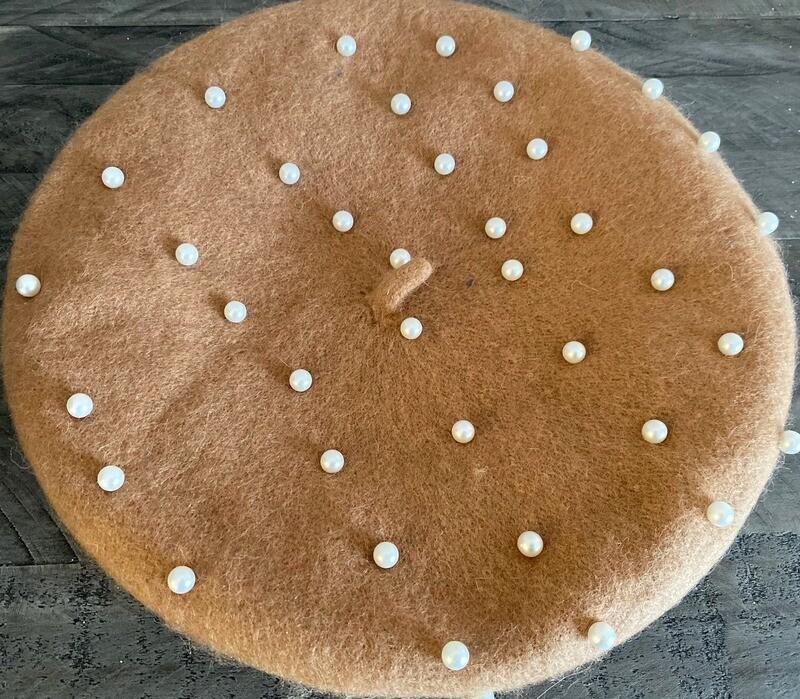 Tan wool beret w/pearls
