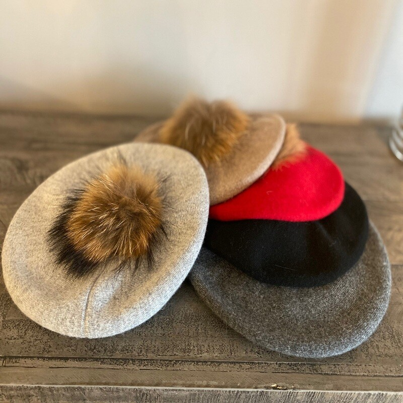 Softest beret with fur