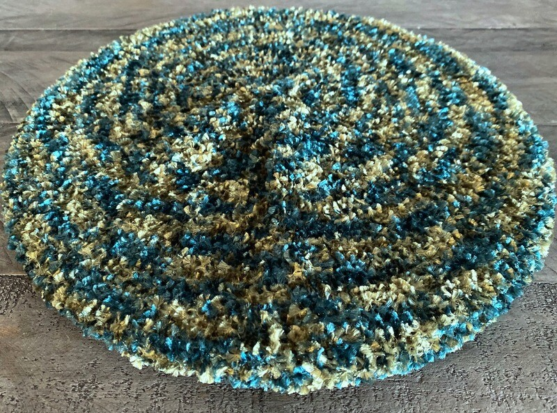 Two tone greens unlined chenille snood