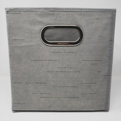 91087 Contenedor multiusos de tela en gris con rayas