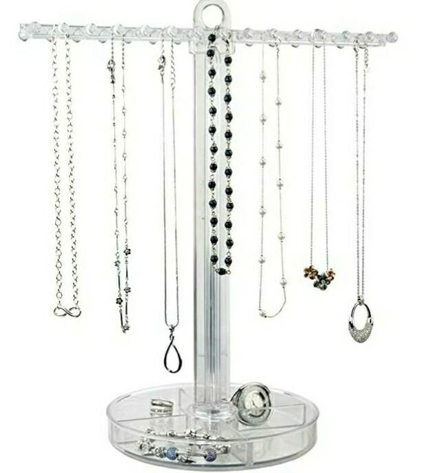 Organizador de collares en acrílico