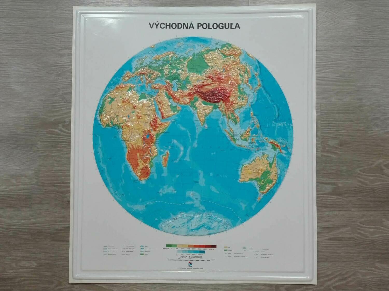 Reliéfna mapa východnej pologule
