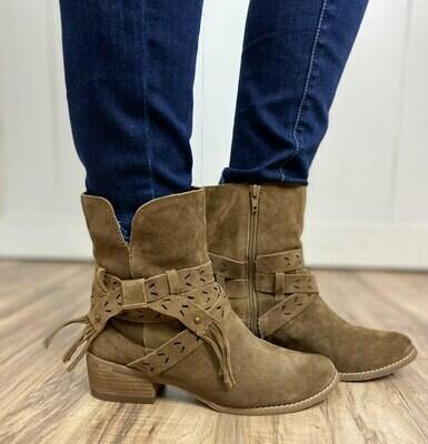 Scarlett Suede Boots