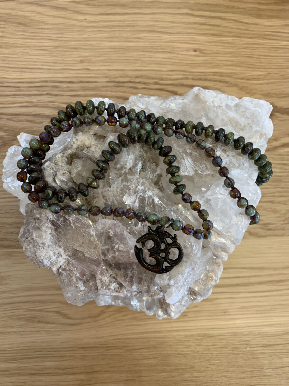 Agate Necklace w/OM Metal Symbol