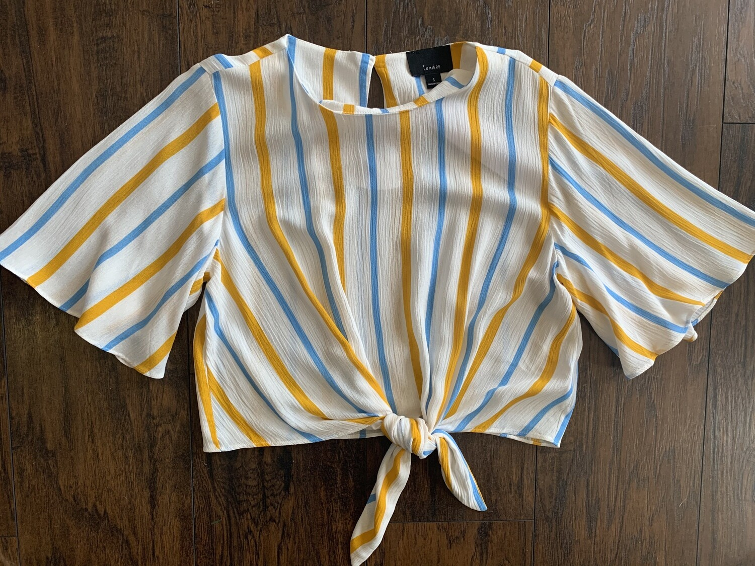 Crop Flutter Sleeve Top