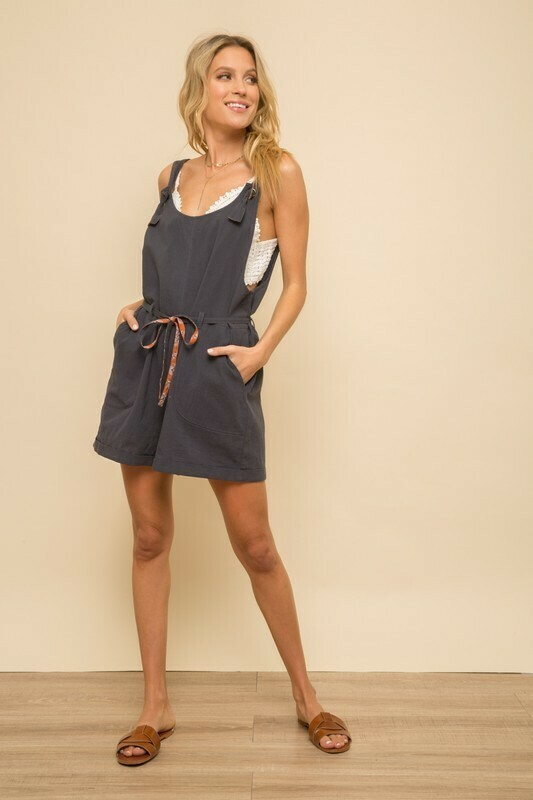 SHORT OVERALL WITH PATCH POCKETS