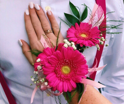 Gerber Daisy Corsage And Bout