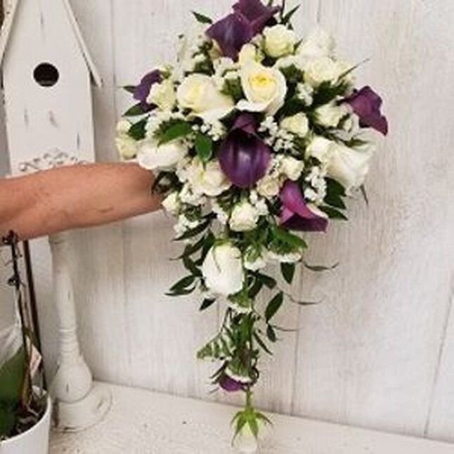 Rose And Calla Lily Cascading Bouquet