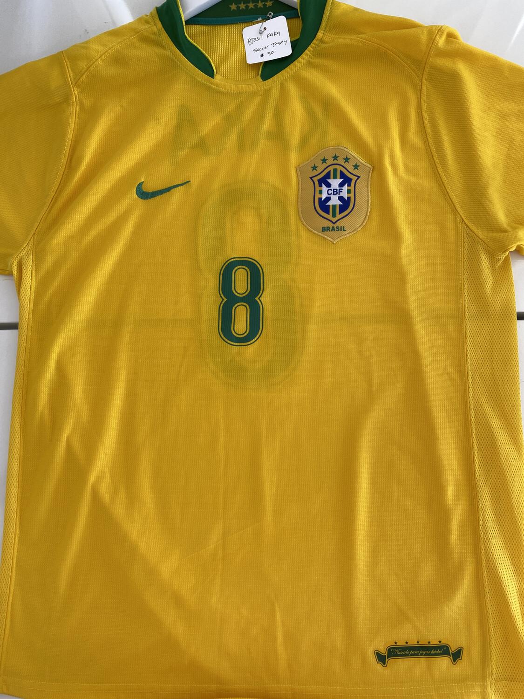 Brasil Kaka #8 Soccer Jersey. SIZE: XL