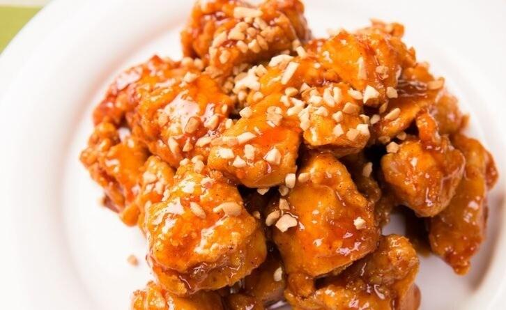 Poulet aux arachides (350 gr)