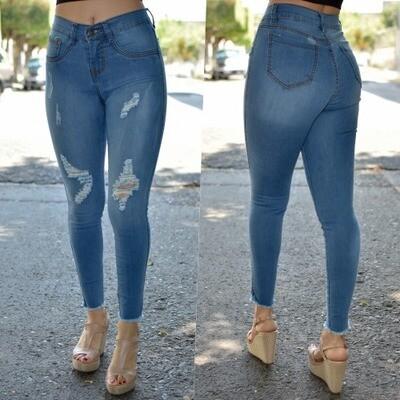 Pantalon tobillero con destruccion desbarbado