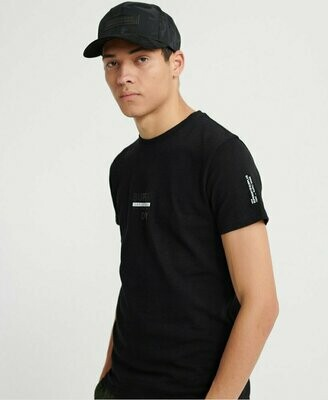 Camiseta Gráfica Surplus Goods Classic