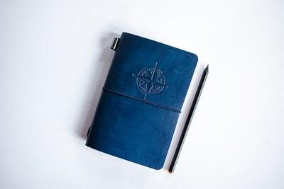 Синий кожаный блокнот