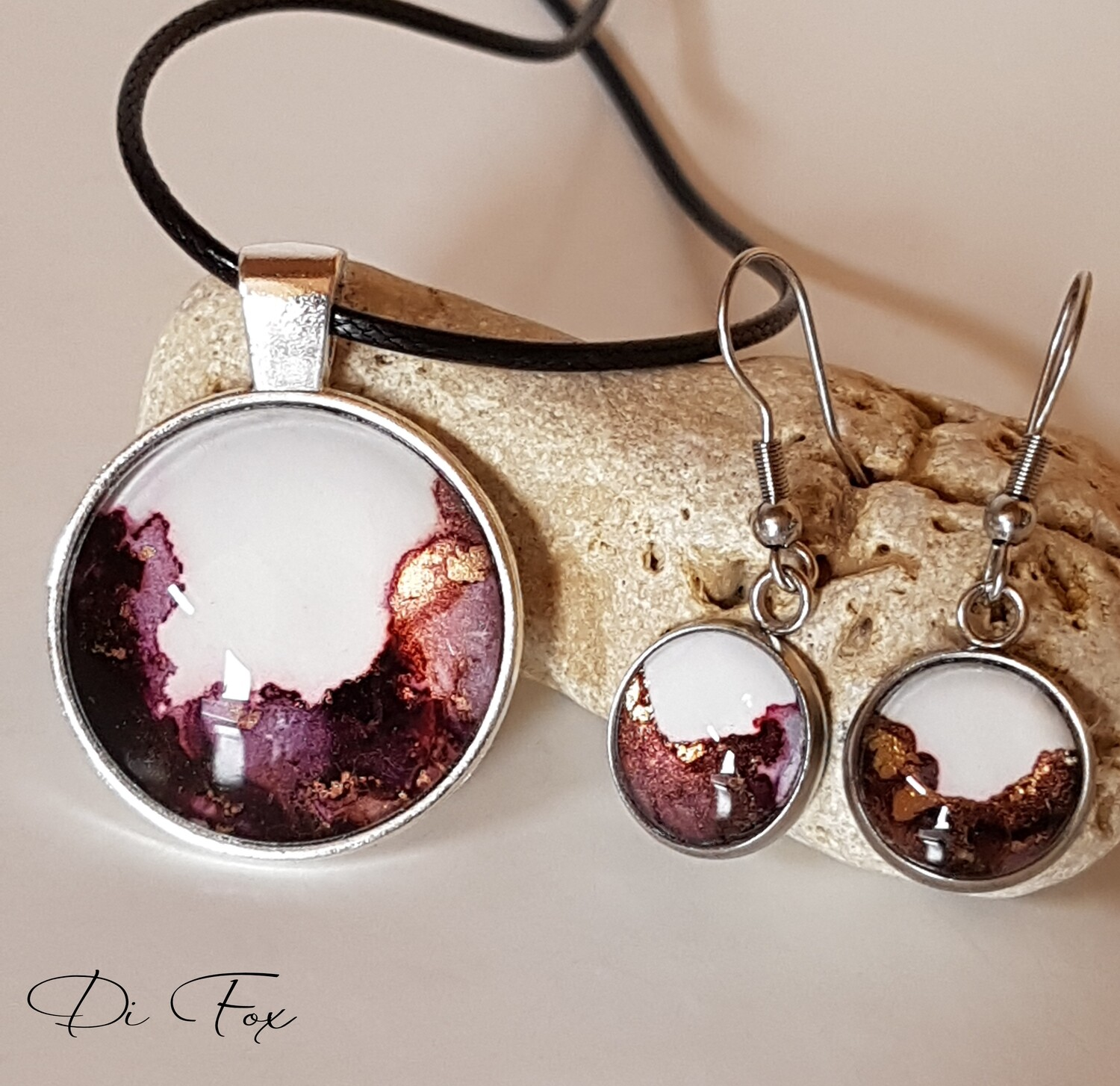 Aubergine Black Pink White and Gold pendant necklace and earring set