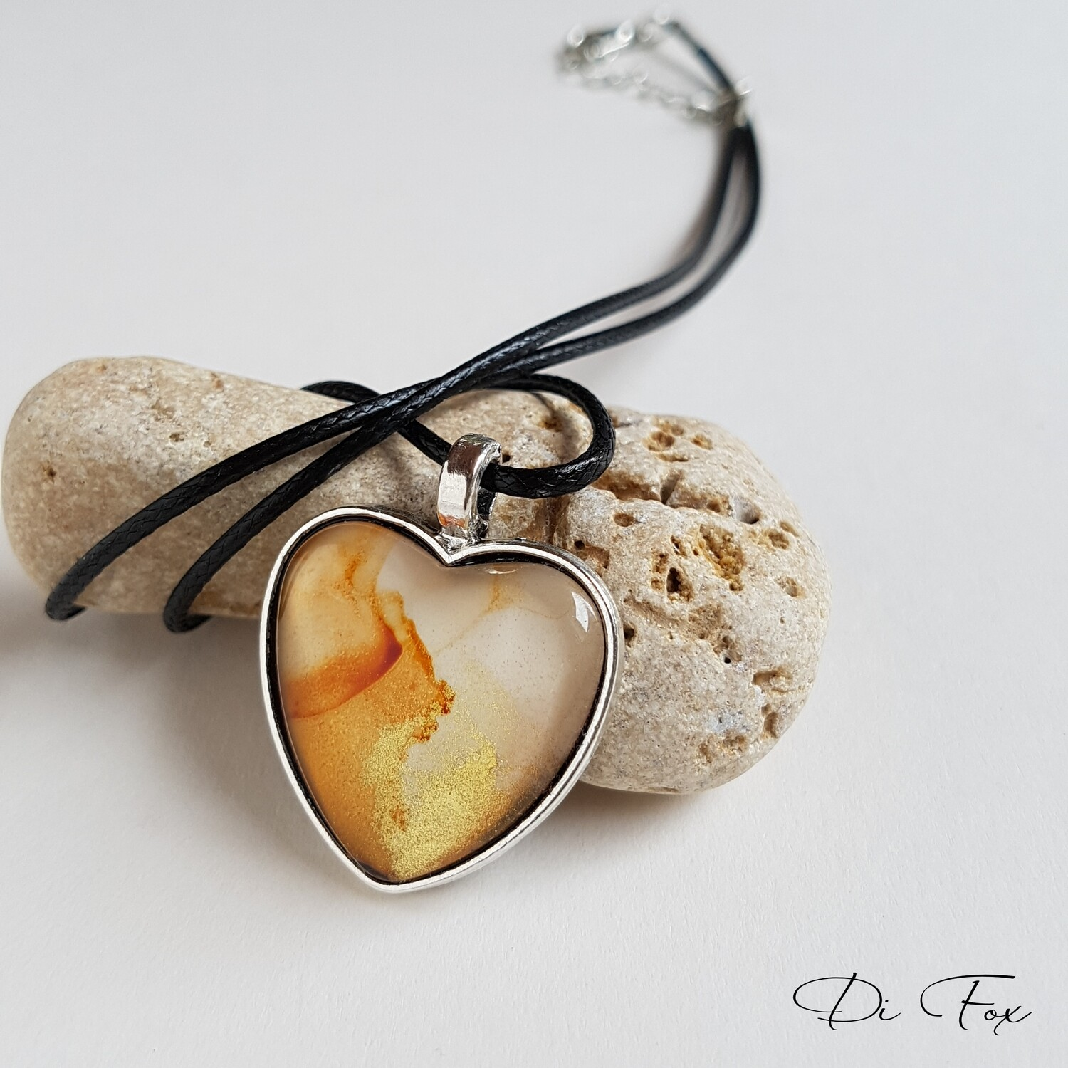 Caramel White and Gold heart shape pendant necklace