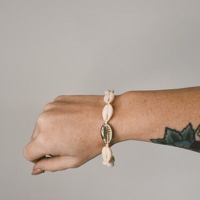Shell Bracelet with Gold Shell Detail