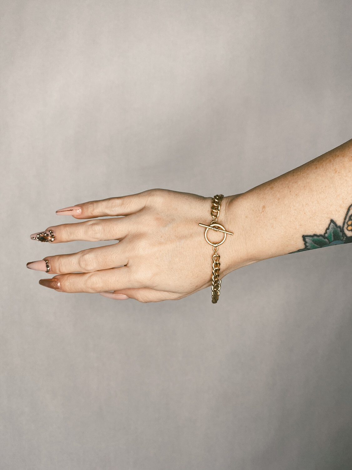 Gold Toggle Chain Bracelet